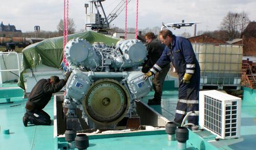 Meidericher Schiffswerft MSW Duisburg - Schiffsreparatur Motorenumbau